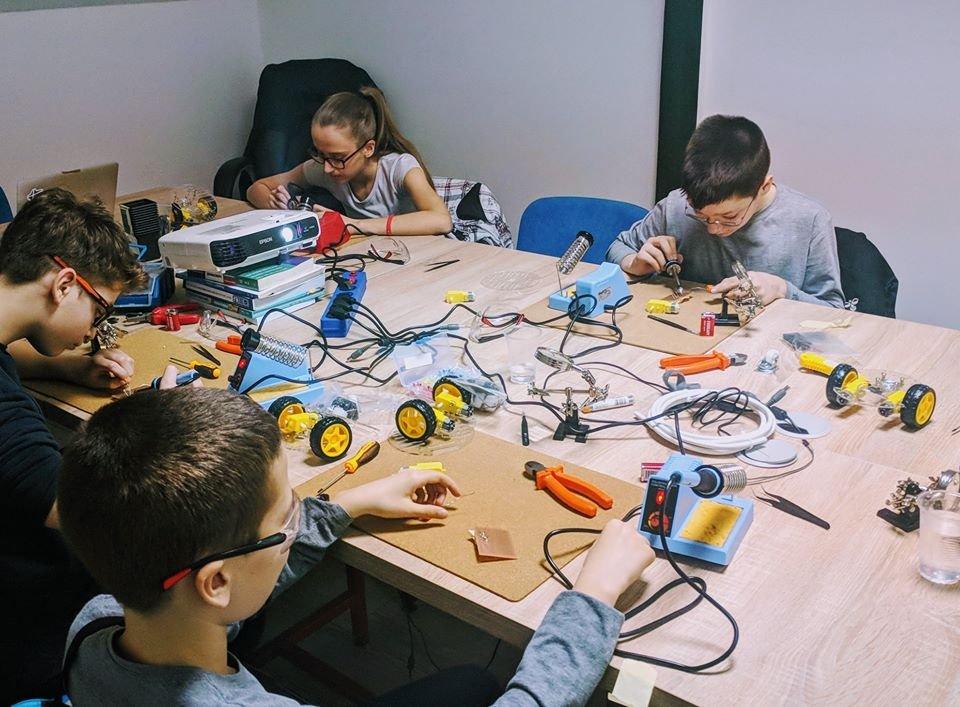 Dexters skola programiranja za decu